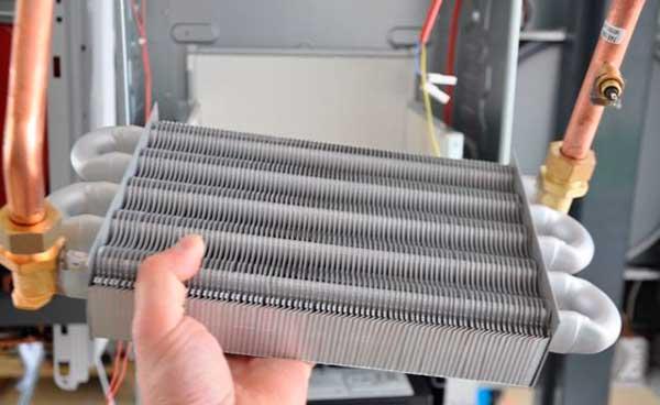 Какой теплообменник лучше в газовом котле Кожухотрубный конденсатор ONDA L 36.304.2438 Набережные Челны