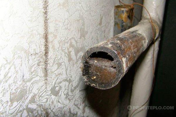 загрязненные трубы