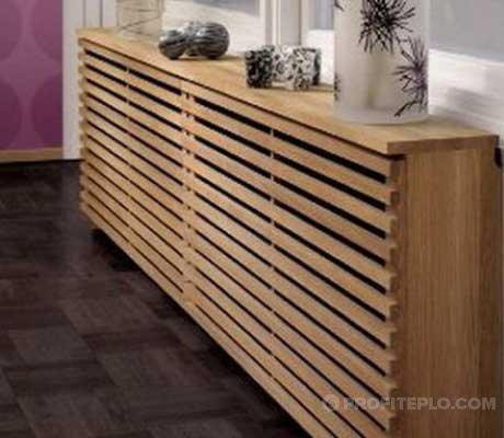деревянный с решетками