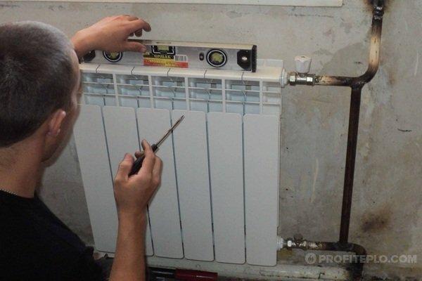 установка радиаторной батареи